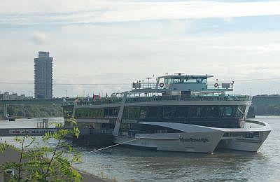 Die MS RheinEnergie an ihrem Ankerplatz an der Bastei