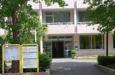 Eingangsbereich Städt. Seniorenzentrum Köln-Dellbrück