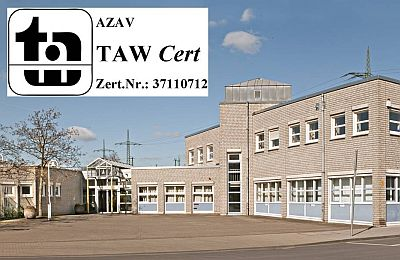 Gebäudeteile der SBK-Werkstatt in Köln-Poll und das Zertifizierungslogo