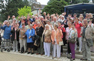 Gruppenbild der SBK-Ehrenamtlerinnen und Ehrenamtler vor der Jahresfahrt 2013