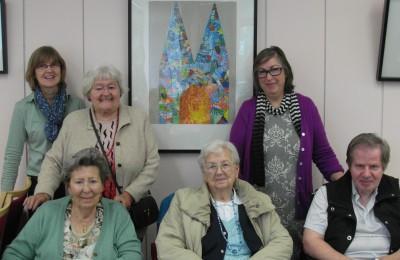 Teile der Kreativgruppe des Seniorenzentrum Köln-Riehl mit Mitarbeiterinnen der Sozialen Betreuung